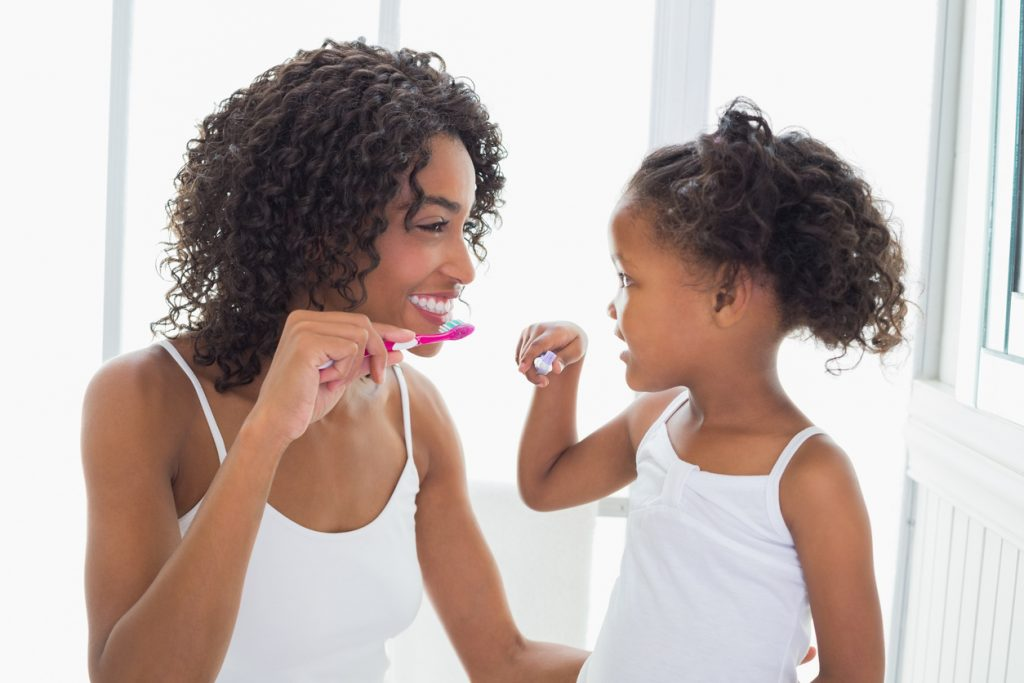 oral hygiene tips for mother and daughter